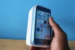 Apple iPhone 5C Unboxing