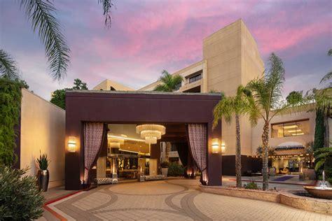 Avenue-of-the-Arts-HotelCosta-Mesa