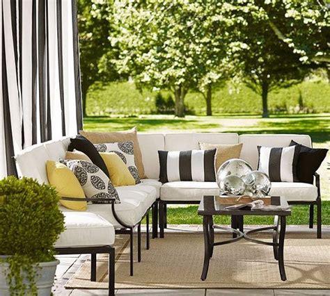 Black-and-WhitePatio-Furniture