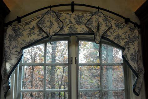 Curved-WindowCurtain-Rod