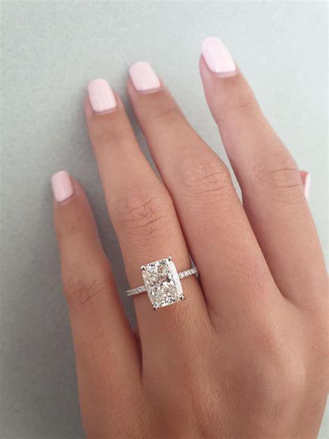 Cushion-Cut-Engagement-Ringwith-Wedding-Band
