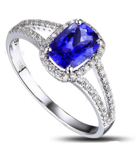 Cushion-CutSapphire-Engagement-Ring