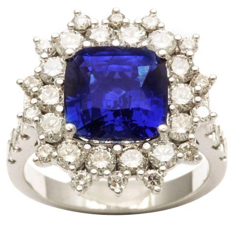 Cushion-CutSapphire-Ring