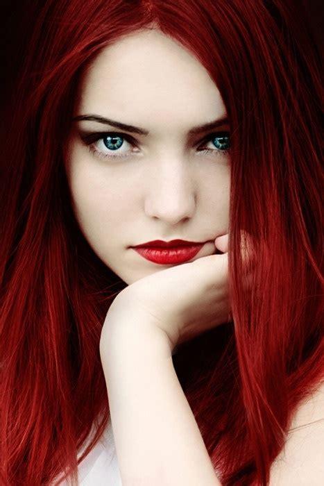 Dark-Red-HairBlue-Eyes