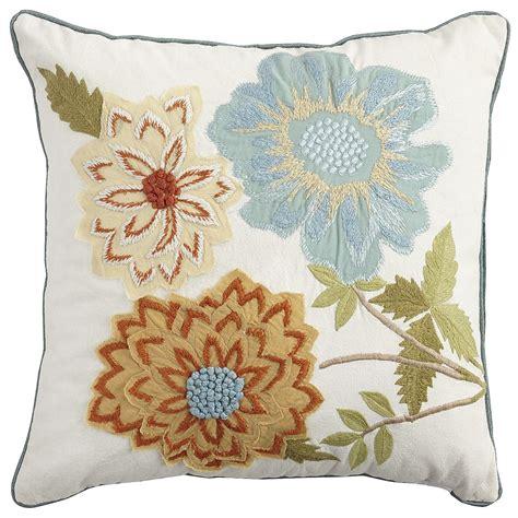 Decorative-PillowDesigns