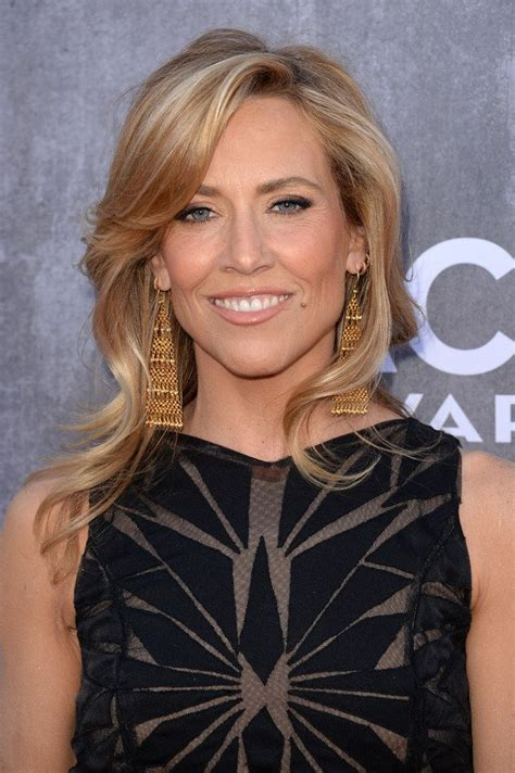 Easy-MidLength-Hairstyles