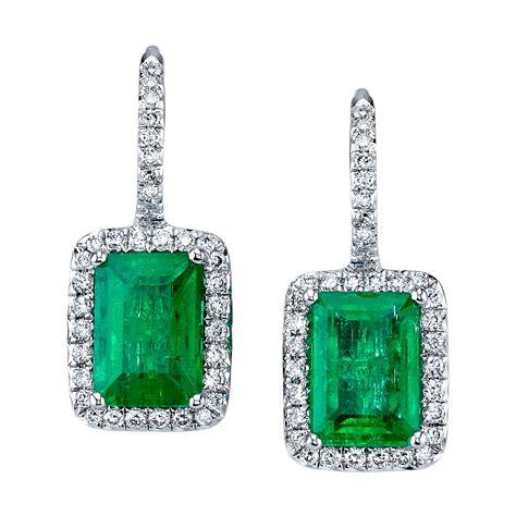 EmeraldCut-Diamond-Earrings