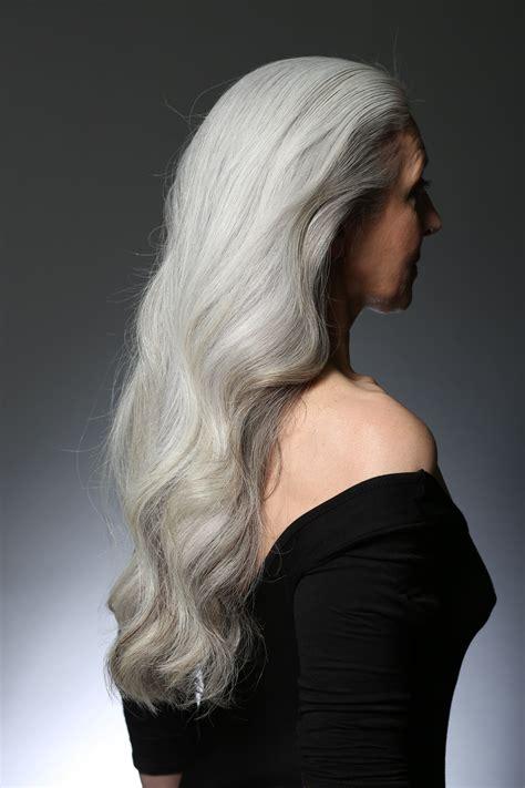 ExtremelyLong-Grey-Hair