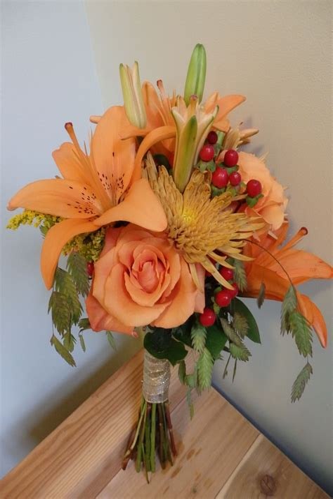 Fall-Wedding-Bouquetswith-Mums