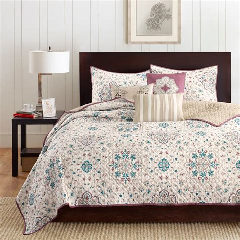 FancyBedspreads