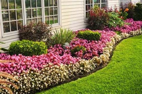Flower-Bed-Maintenance-Service