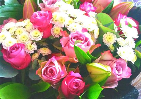 Flower-Bouquetsfor-Mother's-Day