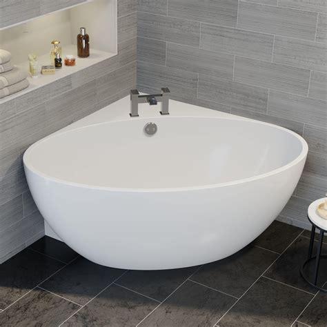 Freestanding-Corner-Tub