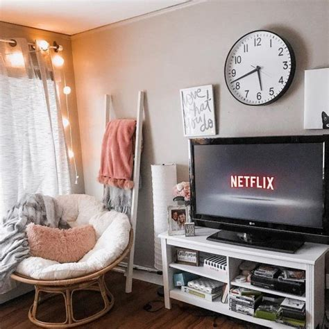 Fuzzy-PapasanChair-Cushion