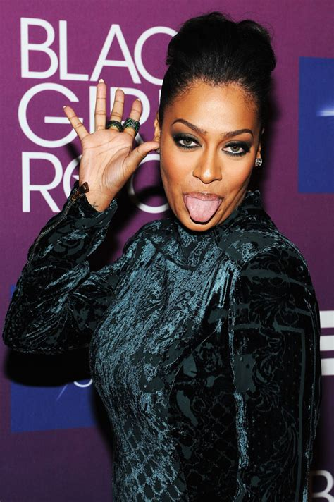 Girl-PompadourHairstyle