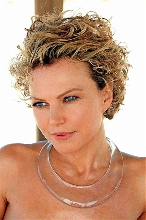 Haircuts-ShortCurly-Hair-Over-50