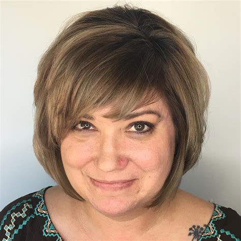 Hairstyles-for-FullFaces-Over-50