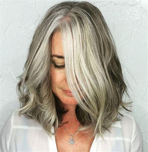 Hairstyles-forShoulder-Length-Gray-Hair