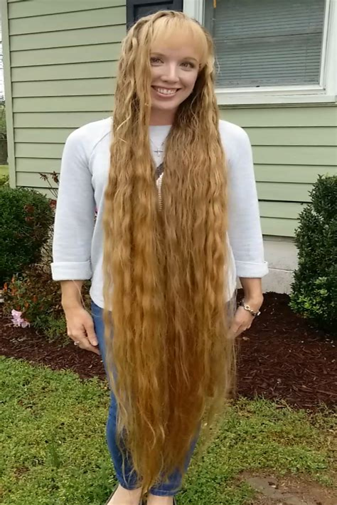 Hairstyles-forSuper-Long-Hair