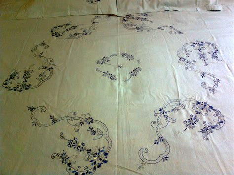 Hand-EmbroideredBed-Sheets