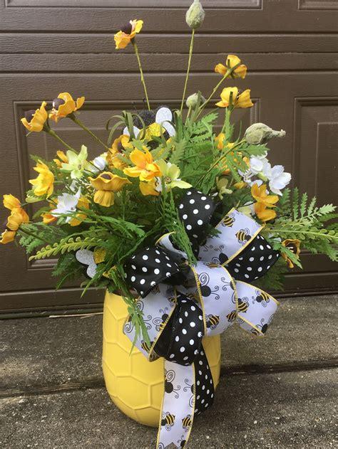 Honey-BeeFlower-Arrangement