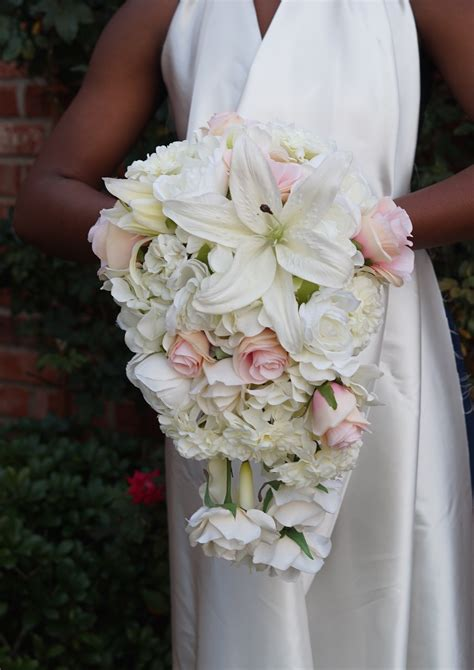 How-To-Make-A-Bridal-Bouquet