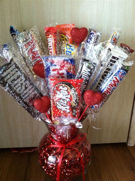 How-to-Make-a-CandyBar-Bouquet