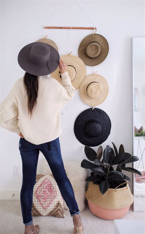 IN THE HAT Hanging Wall Decor | Gps Store
