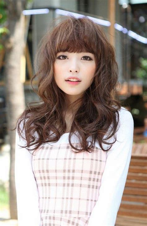 JapaneseShort-Hair-Long-Bangs
