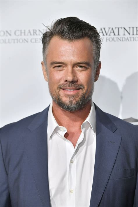 Long-Hairstylesfor-Men-Over-40
