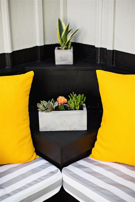 Make-Your-OwnOutdoor-Cushions