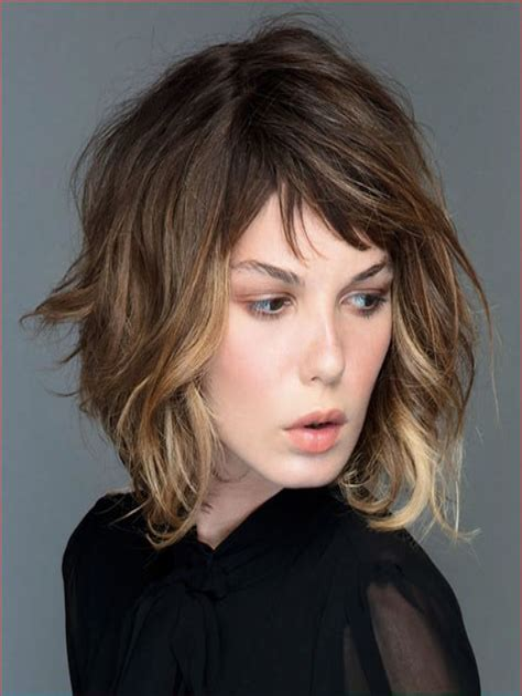 Medium-Hairstyleswith-Bangs-2019