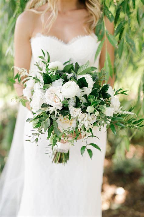 Modern-WeddingFlowers-Bouquet