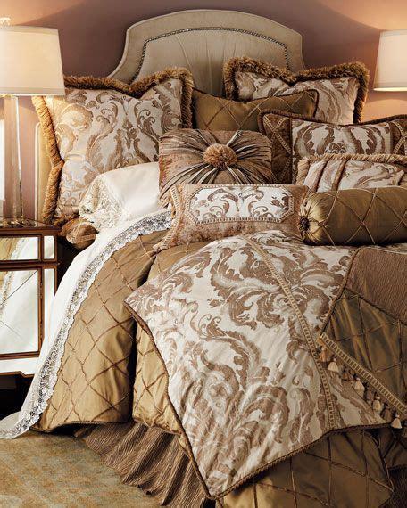 Neiman-Marcus-Comforter-Sets