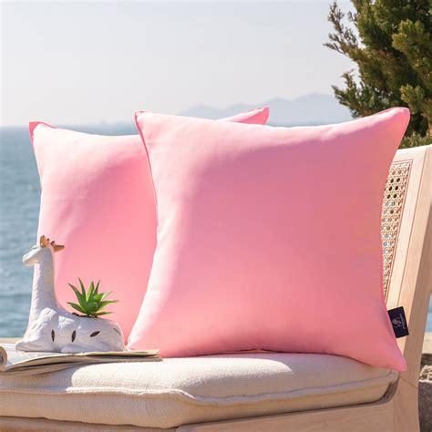 Outdoor-Cushionsand-Pillows