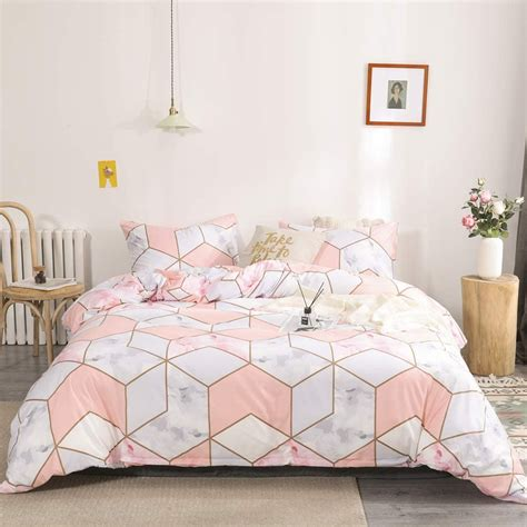 Pink-Marble-Bed-Sheets