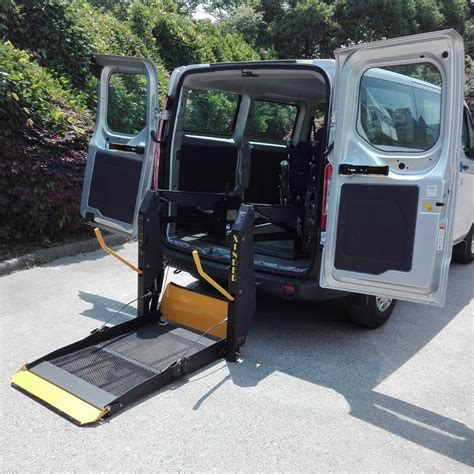 Power-WheelchairLifts-for-Cars