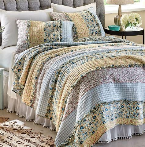 Quilt-Queen-Bedding-Sets