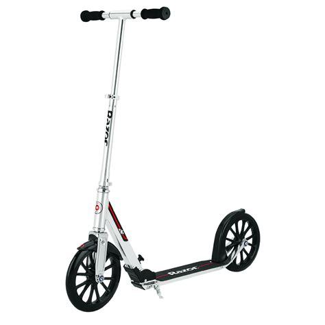 Razor-ScooterRiding