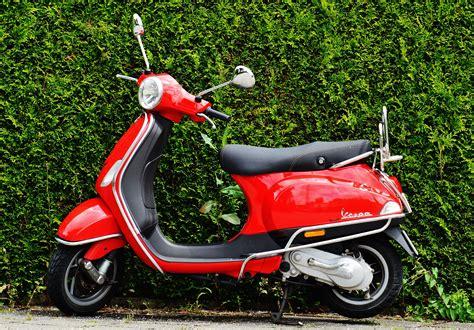 RedVespa-Scooter