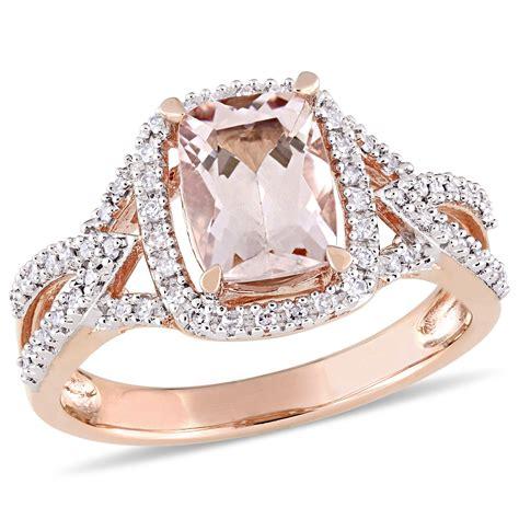 Rose-GoldCushion-Cut-Engagement-Ring