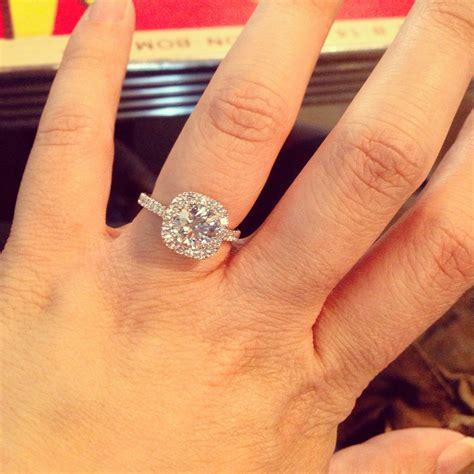 Round-Cushion-CutDiamond-Engagement-Ring