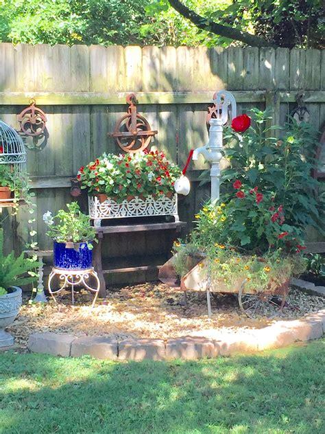 Rusty Garden Decor
