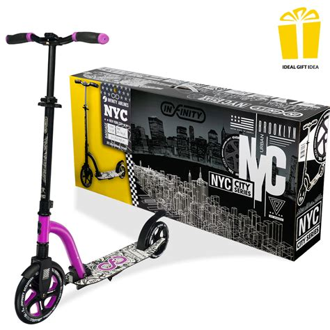 Scooter-in-WindowNew-York-City
