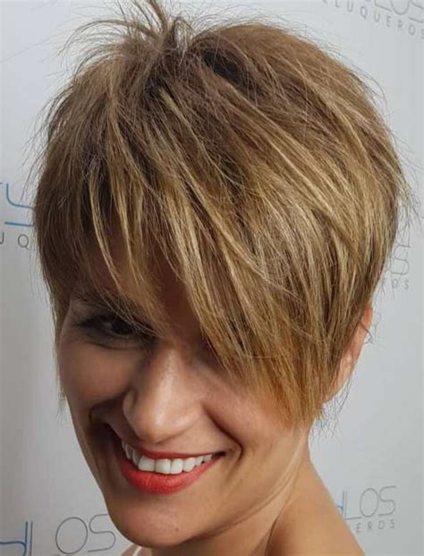ShaggyPixie-Haircut-with-Bangs