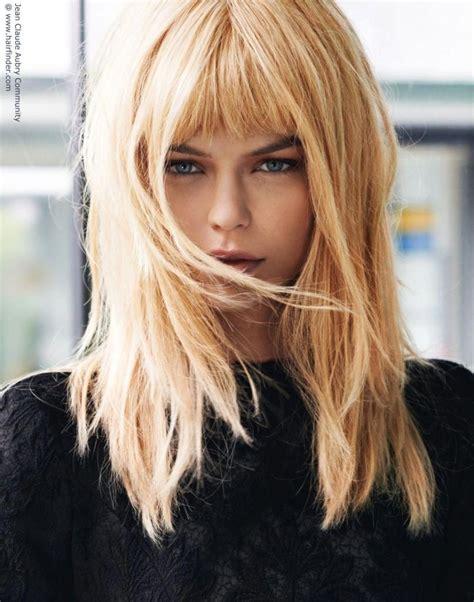 Short-Blonde-Hairwith-Long-Bangs
