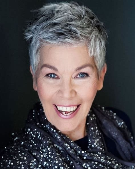 Short-Hairstyles-Over-50for-Gray-Hair
