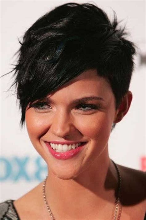Short-Pixie-Cutwith-Side-Bangs