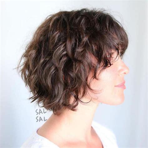 Short-Shaggy-Hairstyles-forWavy-Hair