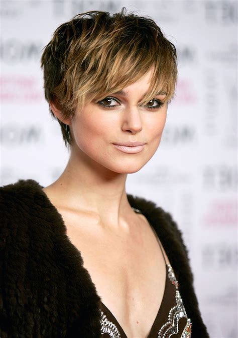 Short-TexturedPixie-Haircut-with-Bangs